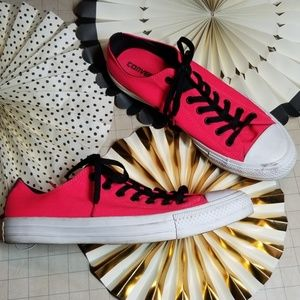 Hot Pink Concerse All Star Low stops size 11